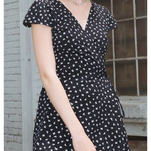 Brandy Melville// Wrap Tie Dress